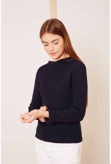 Notre petit pull COl-Graziela, en laine côtelée se porte
