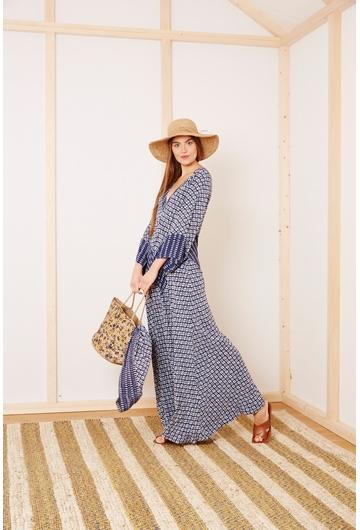 La robe PORTO signée Stella Forest à l'imprimé graphique et