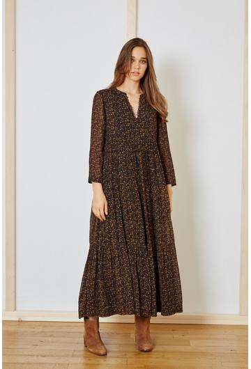 La robe Romeo de couleur nocturne et une robe longue à