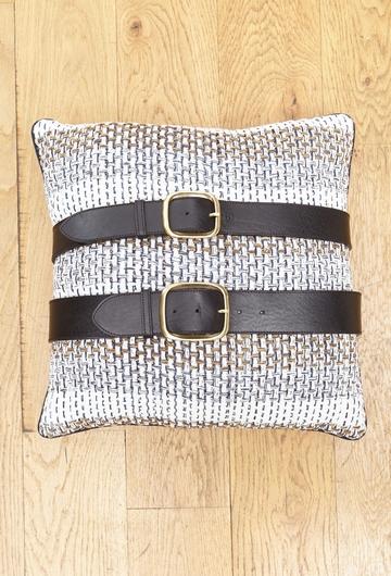 La ceinture Abudhabi est 100% cuir. Elle se décline en trois