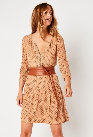 Cette robe courte Paquerette signée Stella Forest complétera