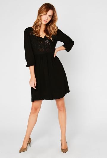 En journée ou en soirée, notre robe courte luna est parfaite