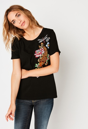 Notre tee-shirt Brode Japan: - Manche courtes. - Col rond. -