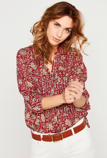 Notre chemise Chiara s'accordera avec de nombreuses pièces