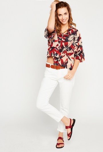 Notre jolie chemise Mara est parfaite pour la saison chaude