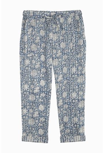 Notre pantalon Chiara est parfait en toutes saisons ou