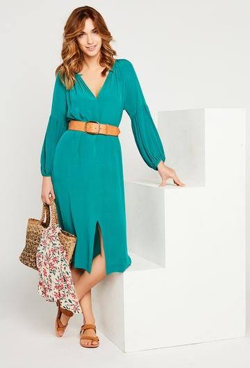 Notre robe Leona est une valeur sûre pour vos soirées d'été