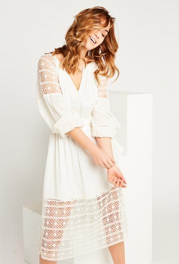 La robe midi bi-matière Sandy allie élégance et fantaisie,