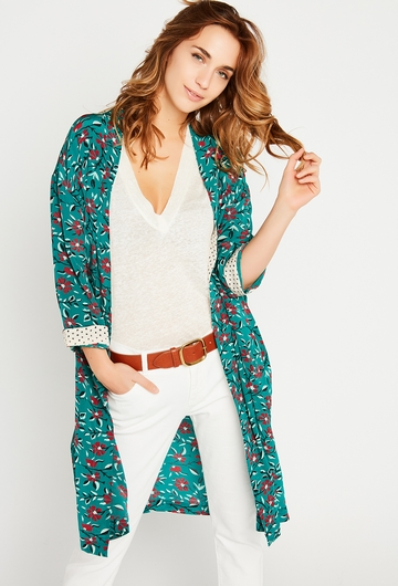 Notre kimono Mia, léger et féminin, apportera une touche de