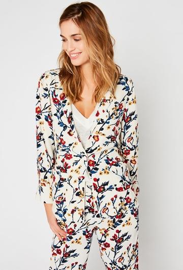 En total look, ou seule, notre veste Lilac, douce et légere,