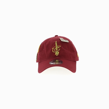 La DRAFT 920 est une casquette de la marque New Era qui