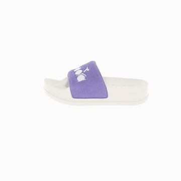 La SERIFOS '90 SPONGE est une sandale de la marque Diadora.