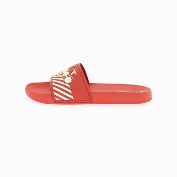 La SERIFOS '90 BARRA est une sandale de la marque Diadora.