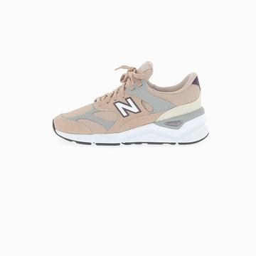 La NEW BALANCE X90 est une sneaker qui combine le