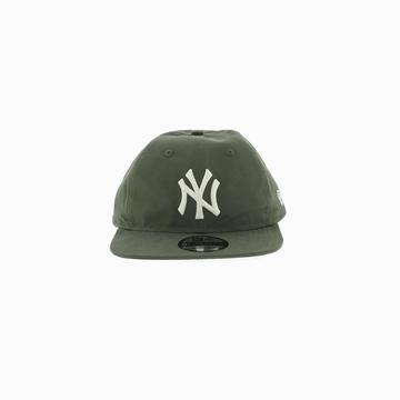 La LT WT NYLN PK920 NEYYAN est une casquette de la marque