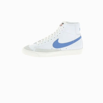 La Nike BLAZER MID '77 VINTAGE tire sa notoriété de son
