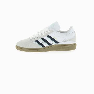 La BUSENITZ de la marque Adidas s'inspire du célèbre modèle