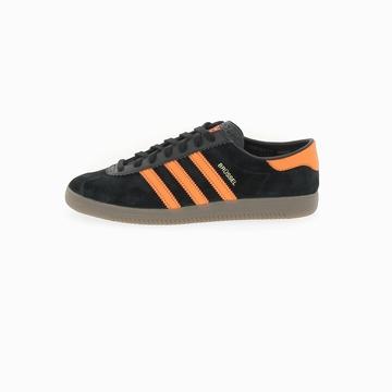 Cette Adidas BRUSSELS est une réédition à l'identique du