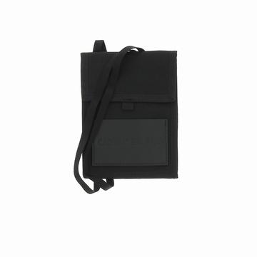 Le Buzz vous propose ce sac PASSPORT LANYARD de la marque