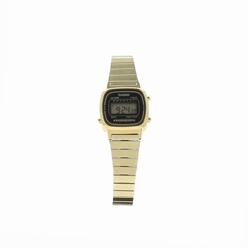 Complétez votre style avec cette montre casio au look