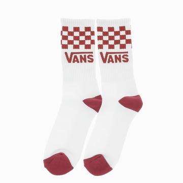 Complétez votre style avec ces chaussettes taille haute au