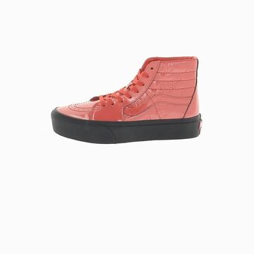 La VANS SK8-HI PLATFORM est une sneakers montante avec son