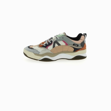 La VANS VARIX est une sneaker dans l'inspiration est tirée